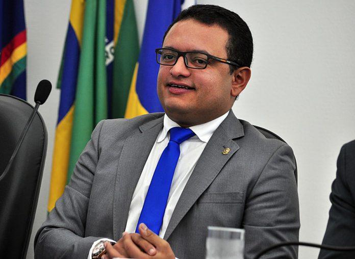 Leo do Ar Foto Gilvan Silva Tamanho original