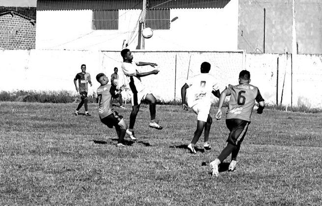 Jogo Canarinho X Craques de Ouro Fotos Gilvan Silva  Tamanho original