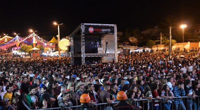 Público presente na primeira noite de São João em Gravatá. Fotos: Gilvan Silva